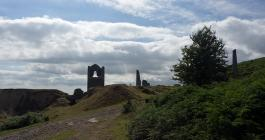 The ruins of South Caradon silhouetted against the skyline